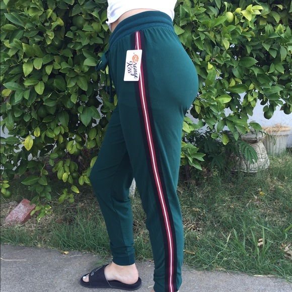 clearance sale best selling attractive price Orange kiss green joggers size medium pockets nwt NWT